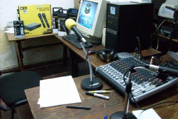 Equipamiento Fm Miguelete 101.7 Radio Comunitaria